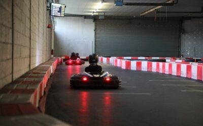 Le plaisir du karting indoor près de Saint-Louis